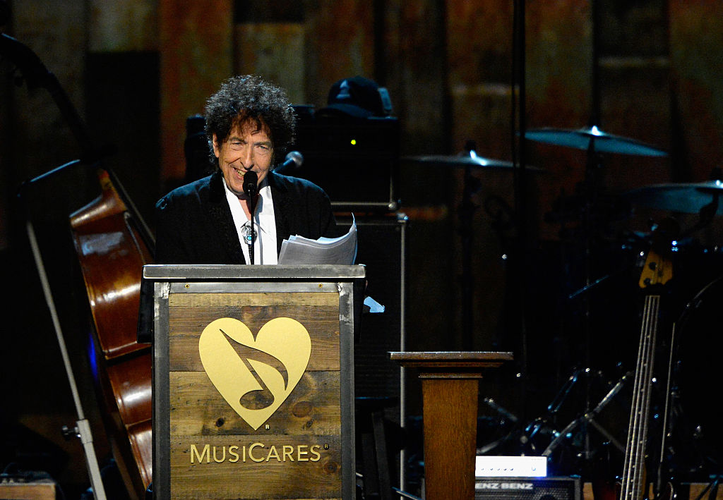 Did Bob Dylan take his Nobel Prize lecture speech from Sparknotes?