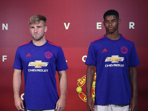 Manchester United youngsters must aspire to be like Michael Carrick, says Gary Neville