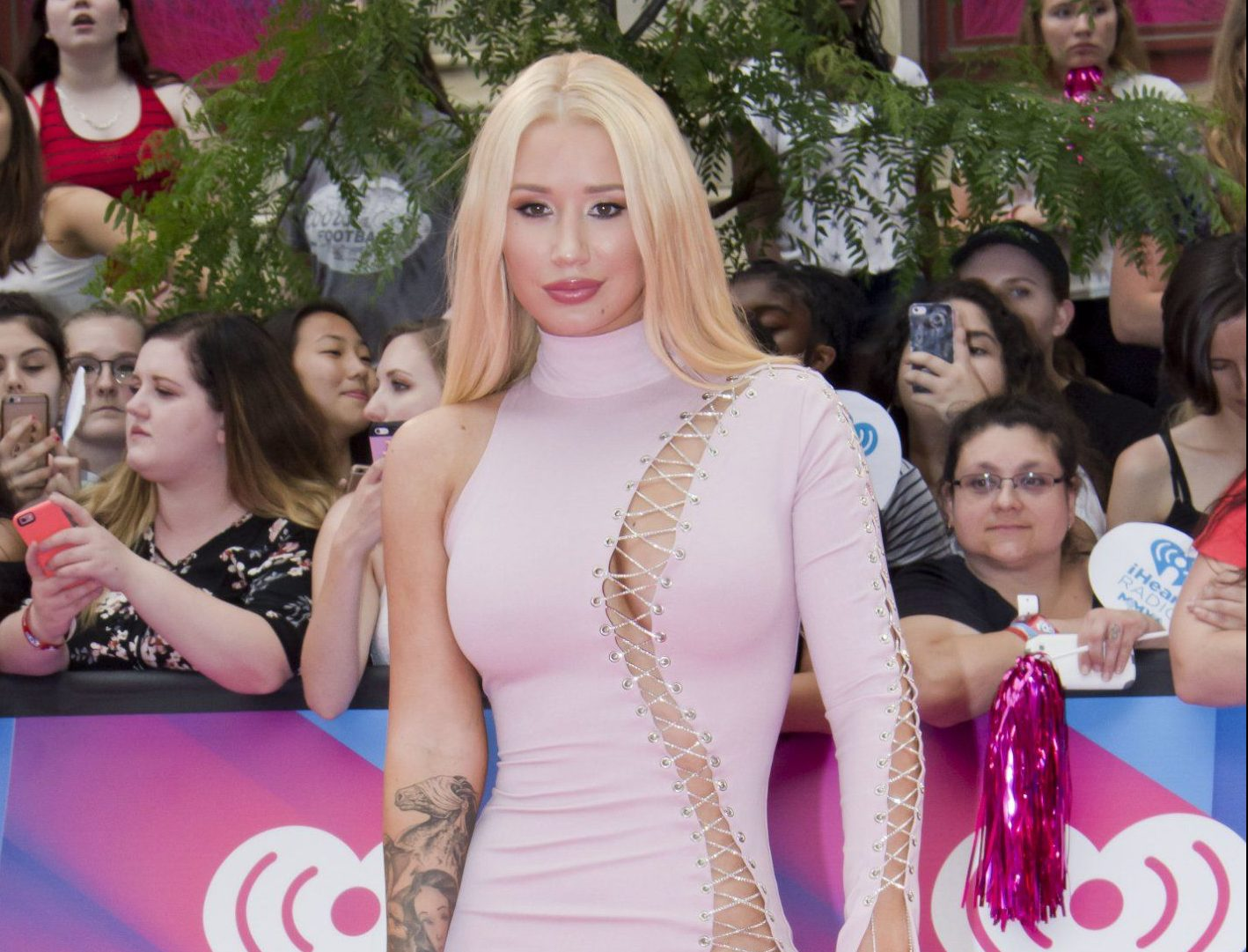 Iggy Azalea 'being sued for $300k over unpaid credit card bill'