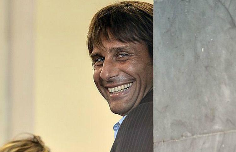 Antonio Conte confirms Chelsea's bid for Kyle Walker before Manchester City transfer