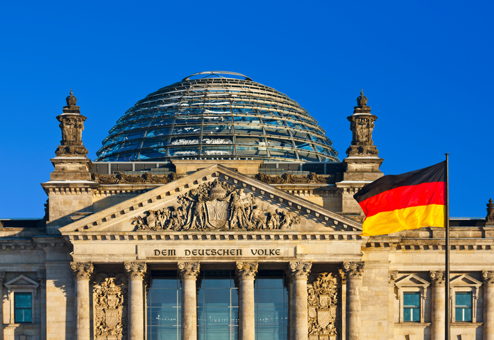 Chinese tourists arrested after posing for Hitler salutes in front of the Reichstag