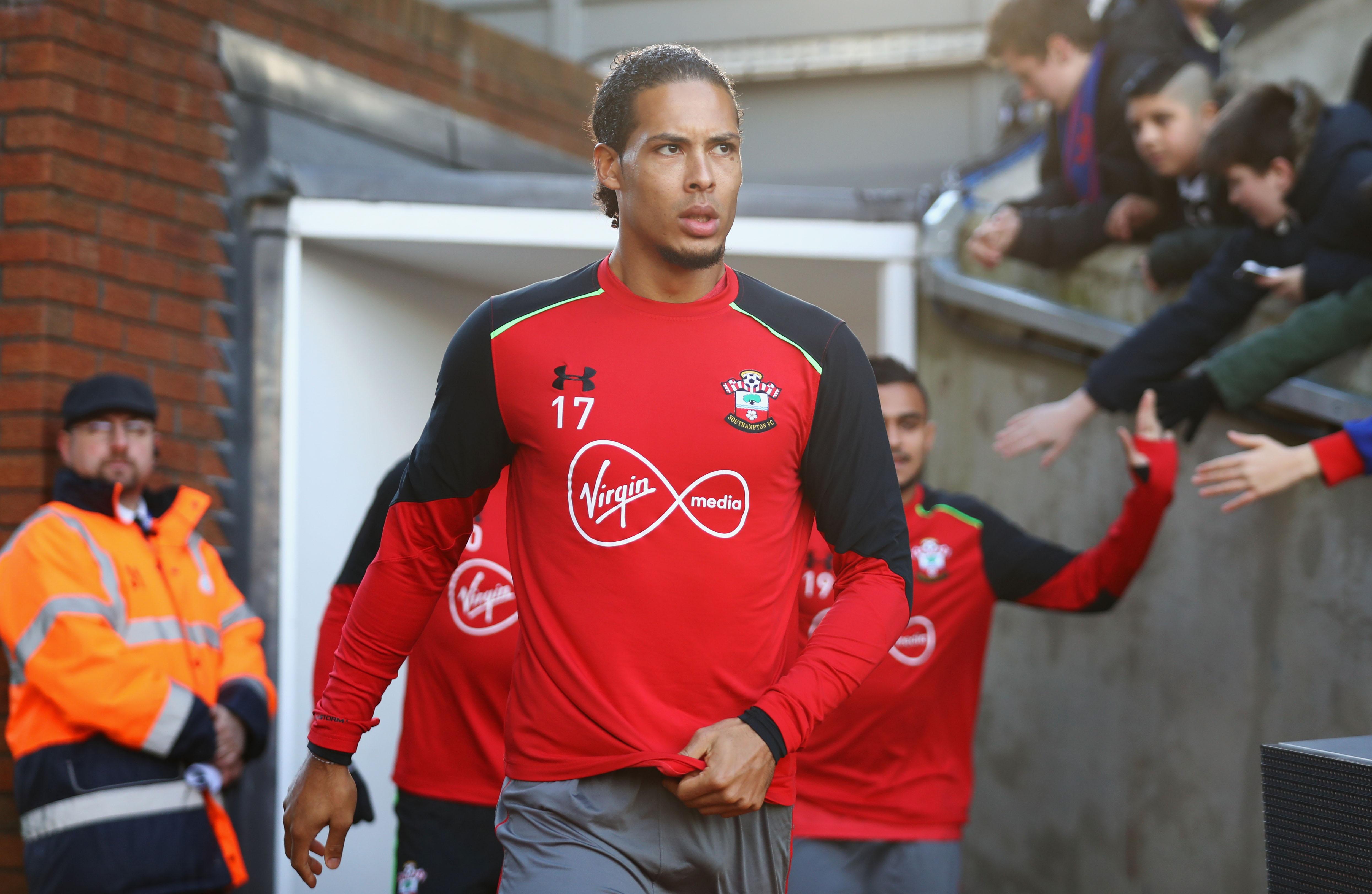 Liverpool and Chelsea yet to make official bids for Virgil van Dijk