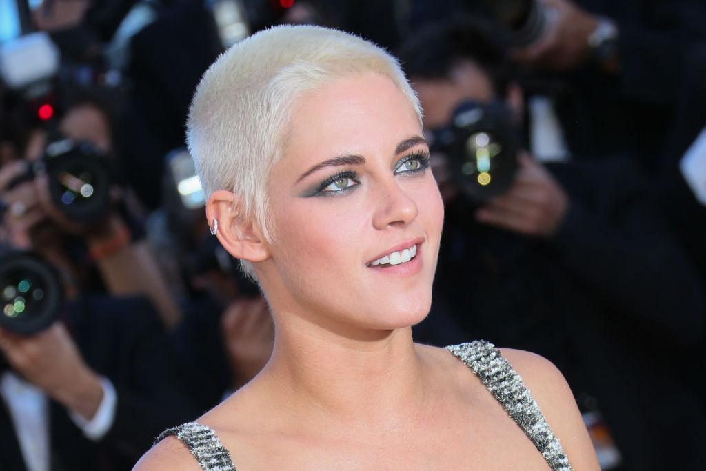 Kristen Stewart threatens legal action as nude pictures leak online