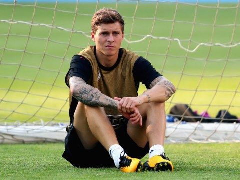 Victor Lindelof dropped from Manchester United squad due to form, not fitness