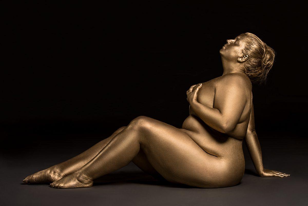 Metallic painted photoshoot celebrates the beauty of plus-size bodies