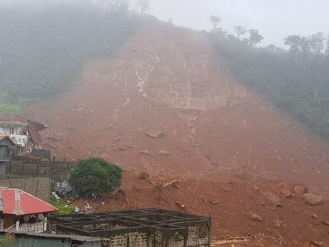 More than 300 dead after huge mudslide and flooding in Sierra Leone