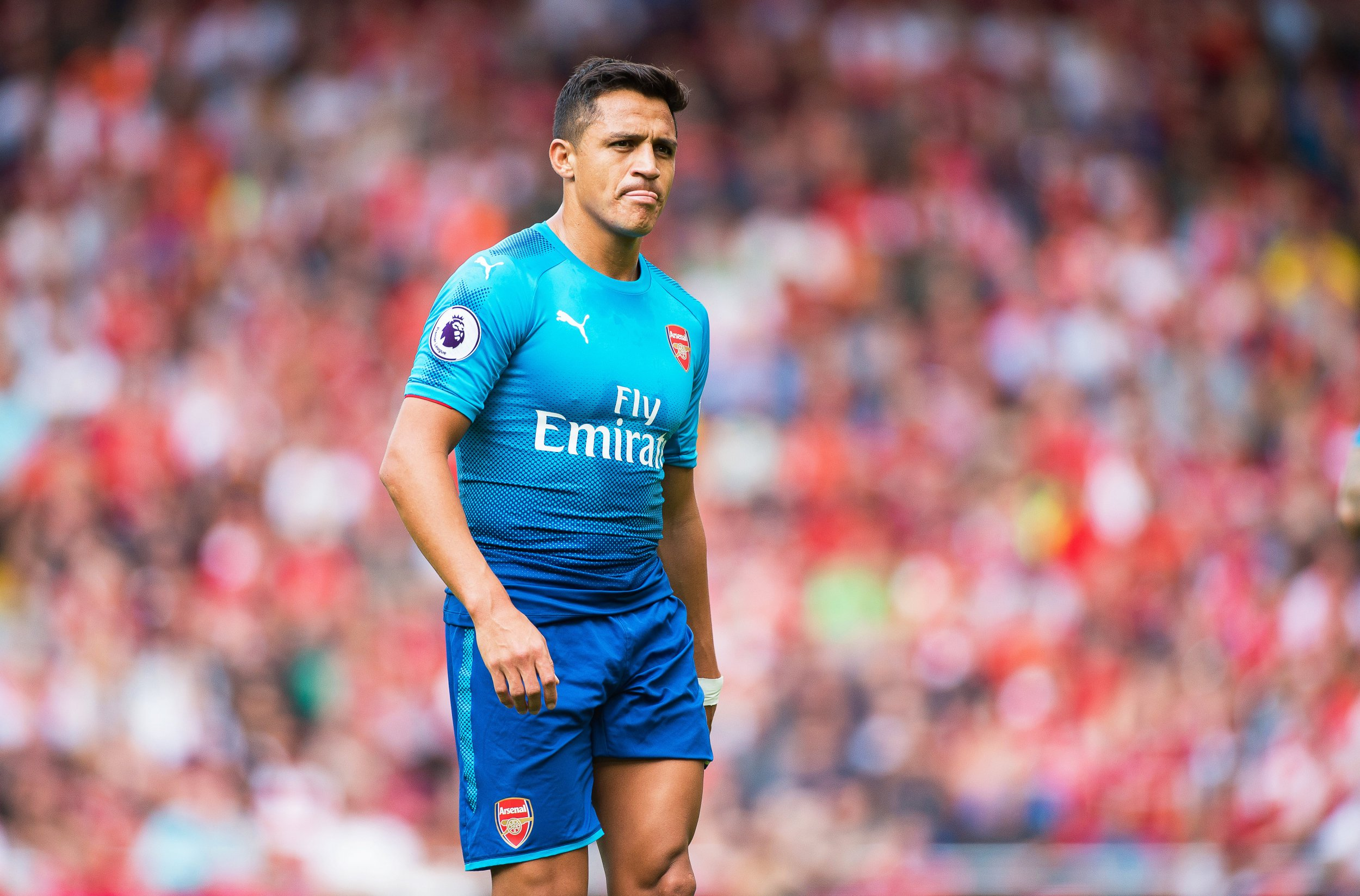 Alexis Sanchez informs Chile team-mates about imminent Manchester City transfer