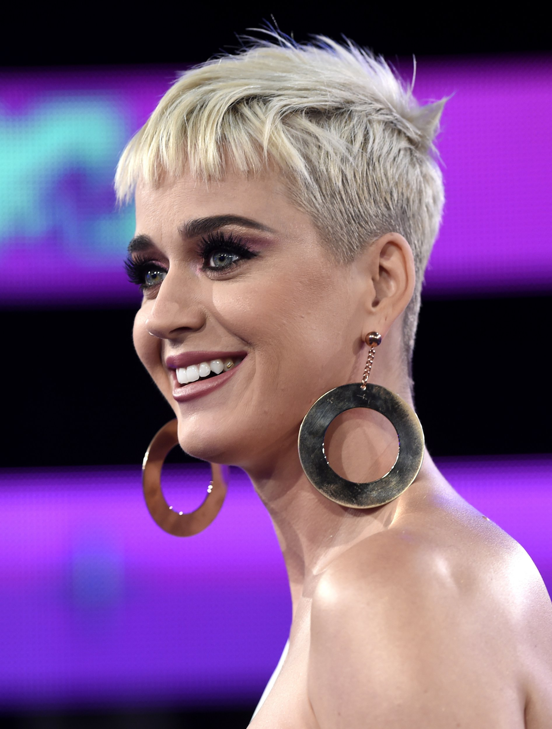 Who is katy perry hookup march 2020