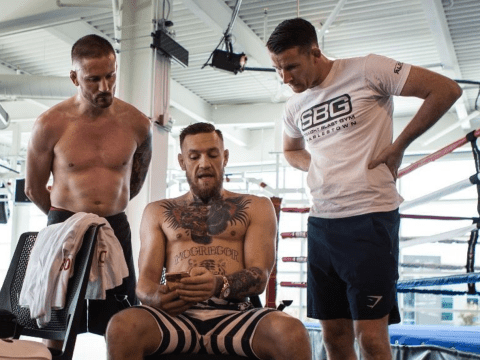 John Kavanagh predicts sixth round knockout for Conor McGregor if Floyd Mayweather steps back first