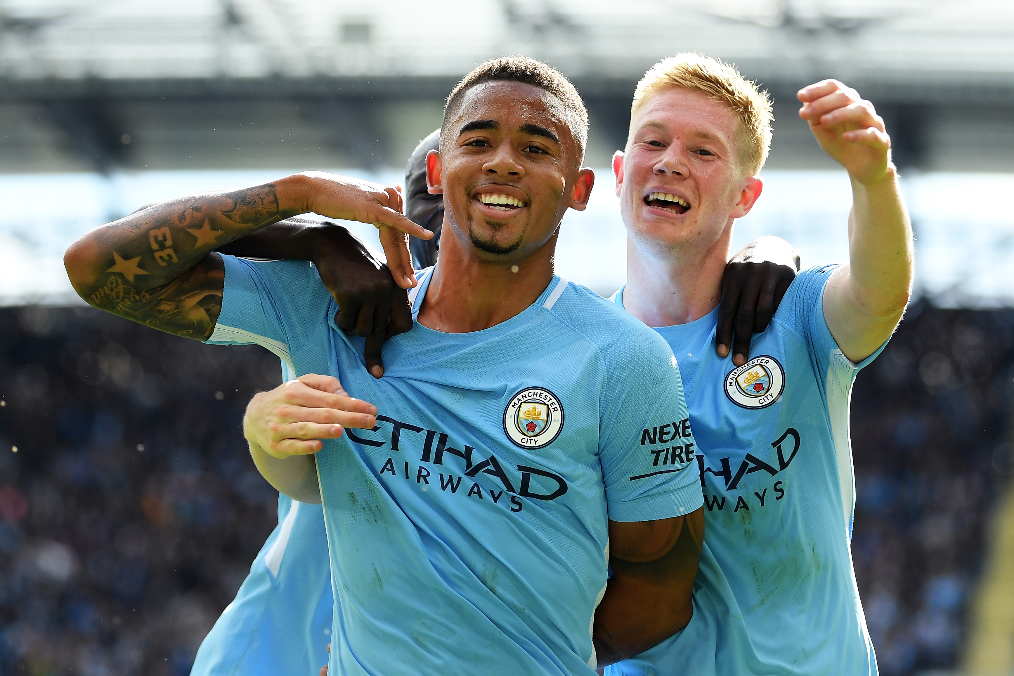 Sergio Aguero and Gabriel Jesus on form for Manchester City against ten-man Liverpool