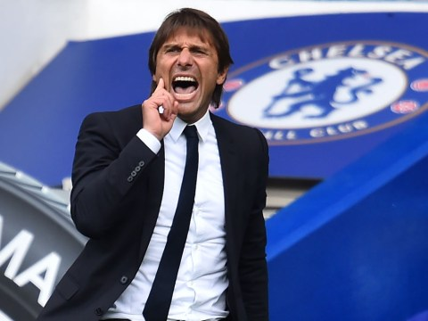 Antonio Conte points finger at Alexis Sanchez after David Luiz red card during Chelsea 0 Arsenal 0