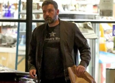 Ben Affleck spotted leaving liquor store with brown paper bag