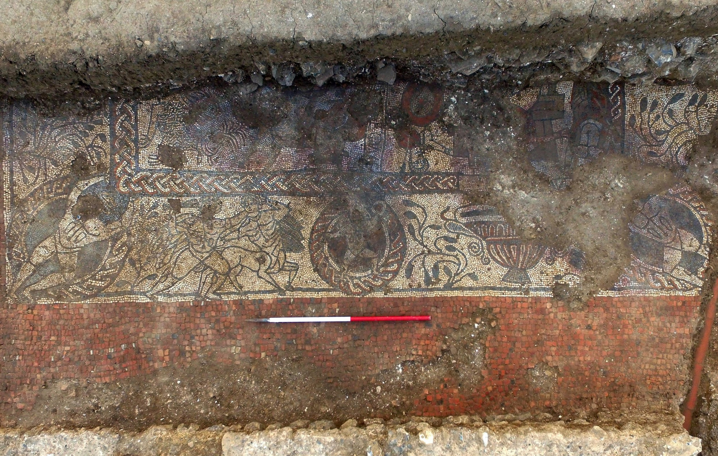 Amateur archaeologists discover amazing 1,600-year-old Roman mosaic