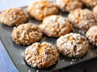 Vegan pumpkin streusel muffins