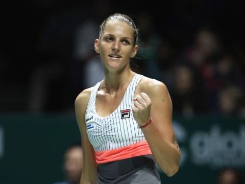 Karolina Pliskova and Garbine Muguruza get off to winning starts at WTA Finals in Singapore