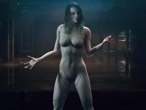 Taylor Swift is properly naked (or at least it looks like it) in her new Ready For It music video