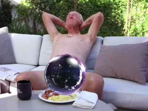 Len Goodman acts like a right lad as he goes butt-naked with some eggs and bacon in Dancing With The Stars skit