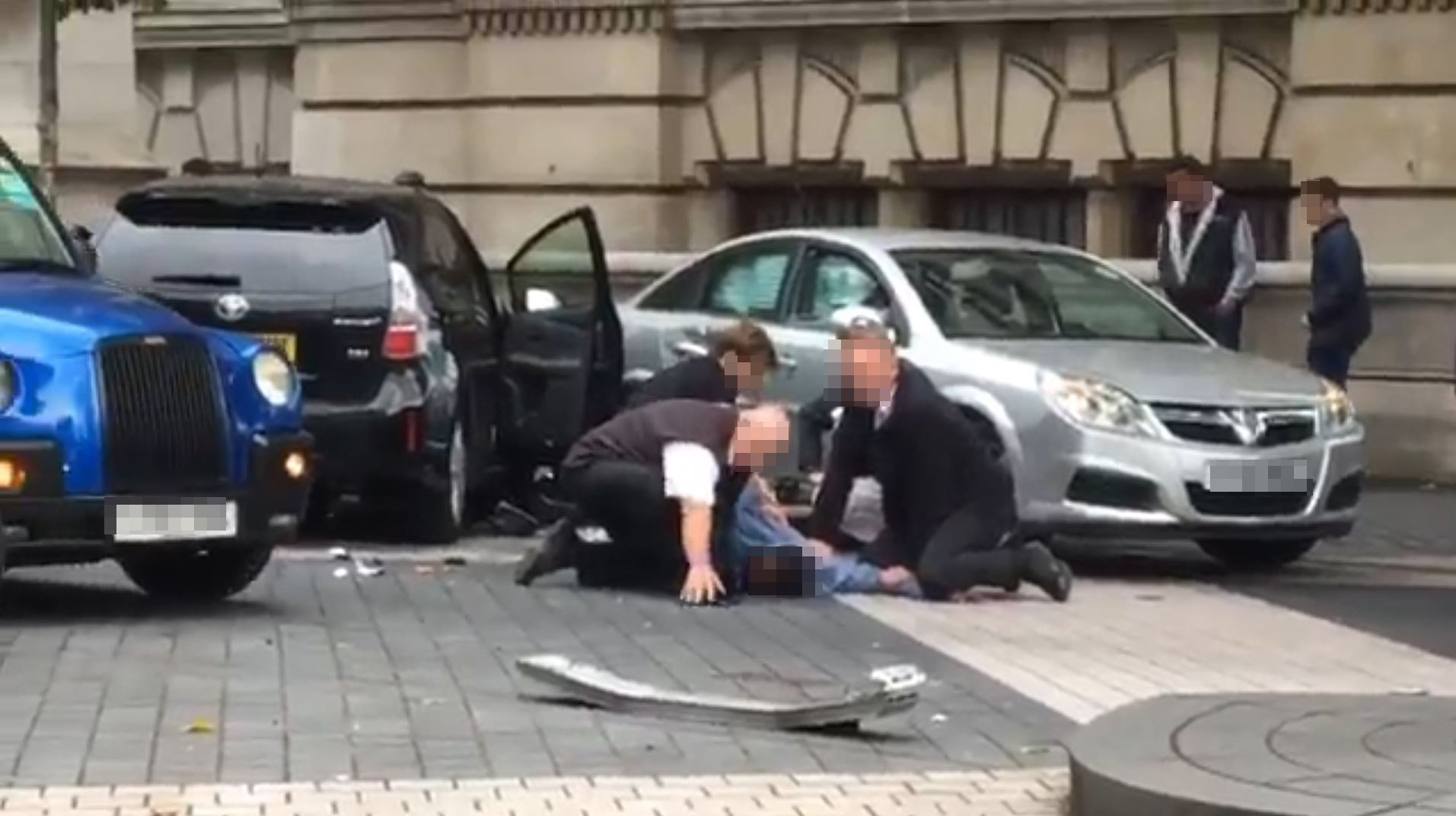 Moment Natural History Museum suspect is pinned to ground after driving into pedestrians