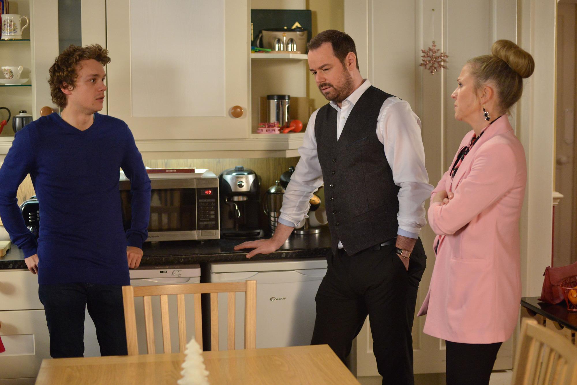 EastEnders spoilers: Mick and Linda Carter decide to leave Walford