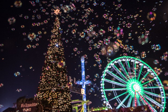 London At Christmas Time.Hyde Park Winter Wonderland London 2017 Opening Times Dates