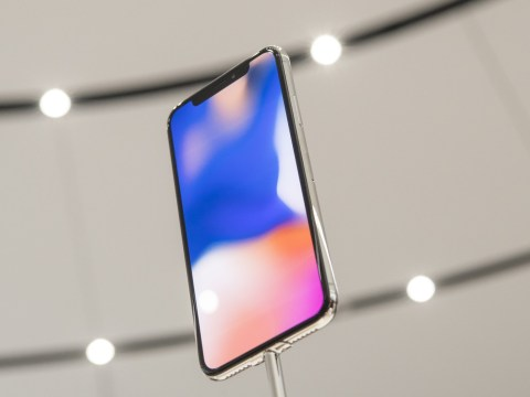 Apple confirms problems with new iPhone X screen