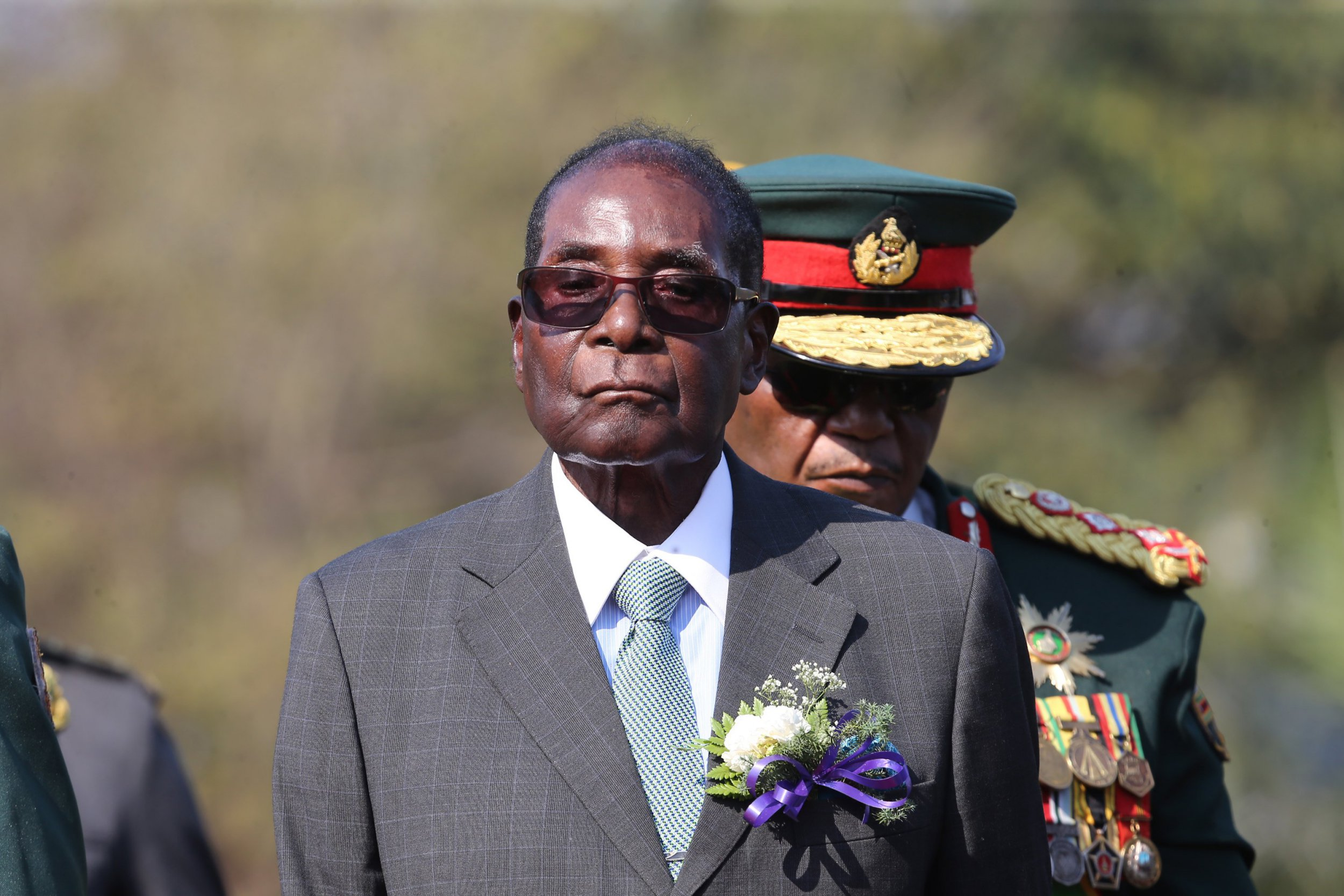 Robert Mugabe refuses to quit as President of Zimbabwe after 'bloodless coup'