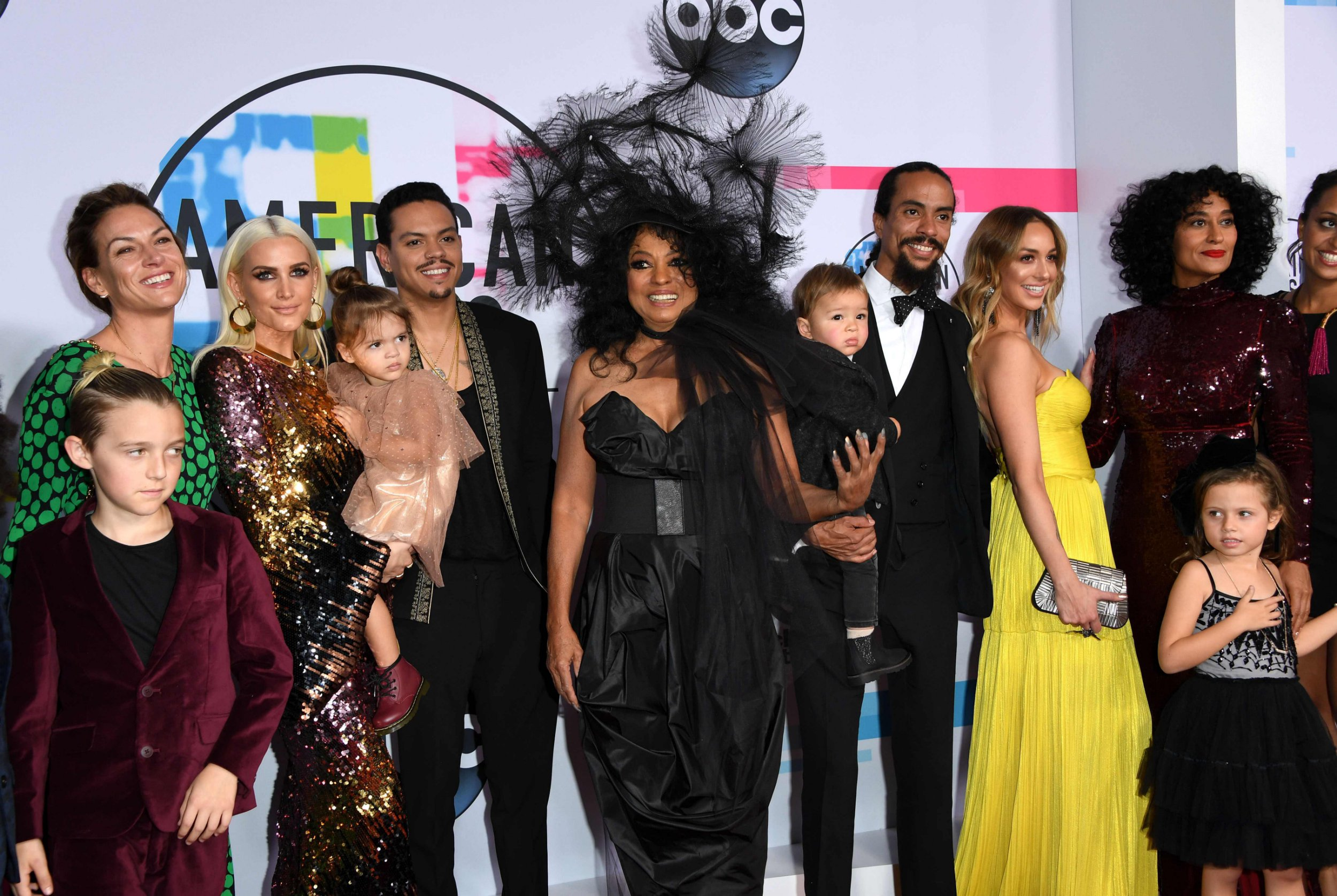Diana Ross brings entire family to American Music Awards 2017