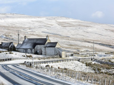 Britain set to be hit with snow as temperatures drop to -10C