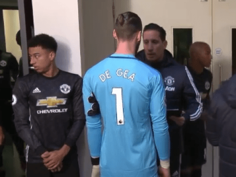 David de Gea gets last-minute instructions in tunnel after Alexandre Lacazette inclusion