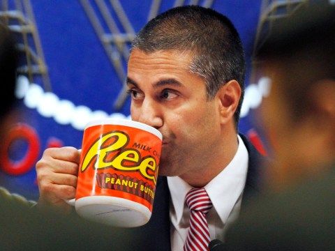 FCC chairman drinks from ridiculously oversized mug as he ends net neutrality