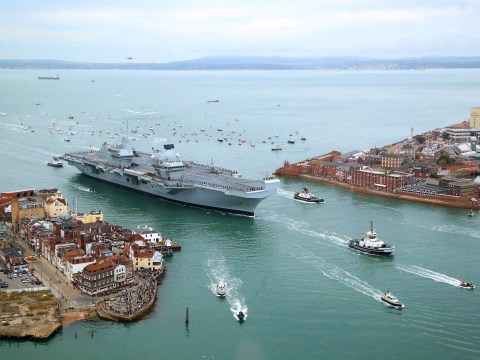 Who built HMS Queen Elizabeth and where is it now?