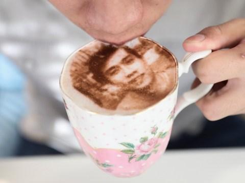 The Tea Terrace in London is now serving selfieccinos
