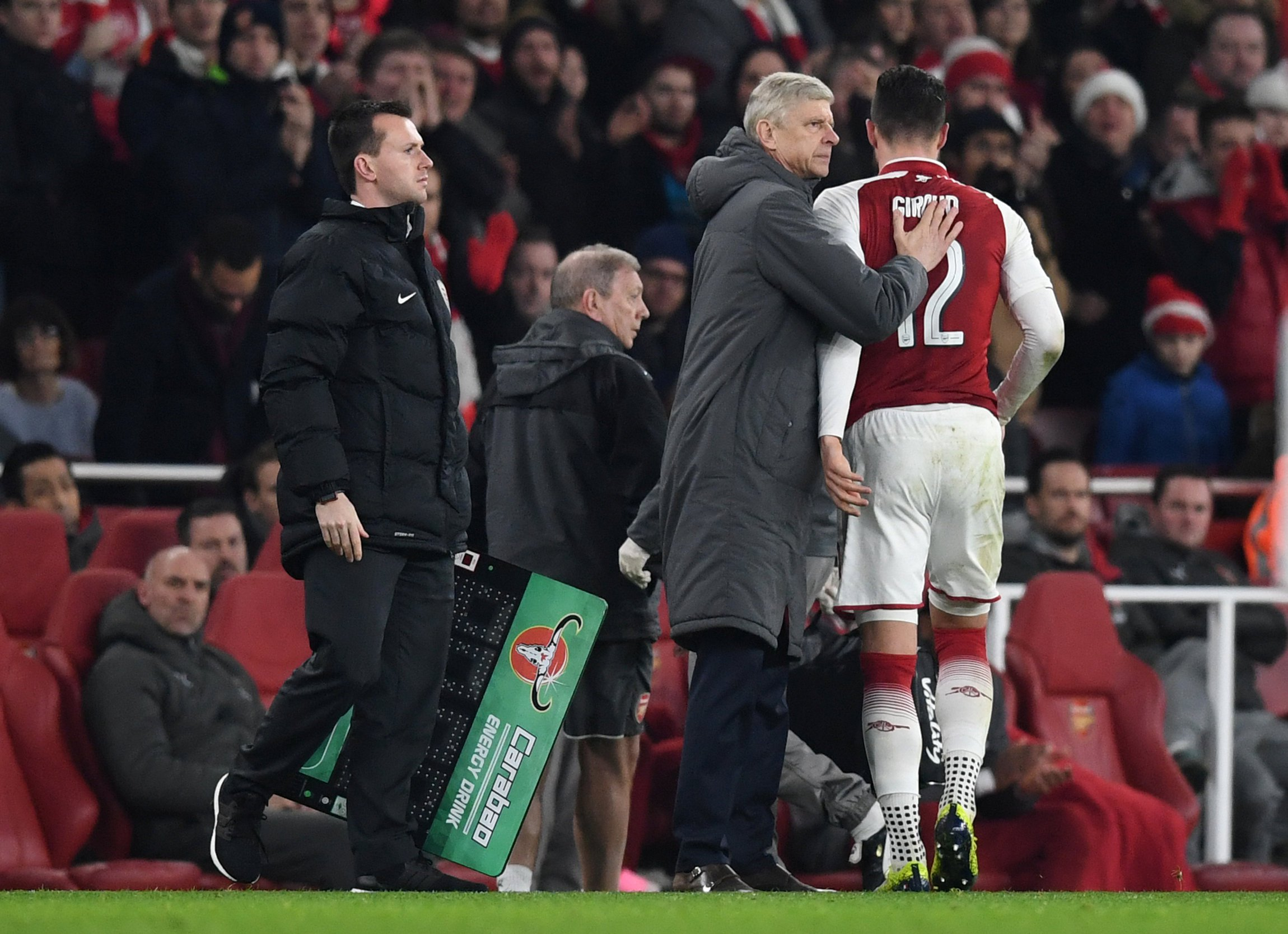 Arsenal duo Olivier Giroud and Nacho Monreal ruled out until mid-January