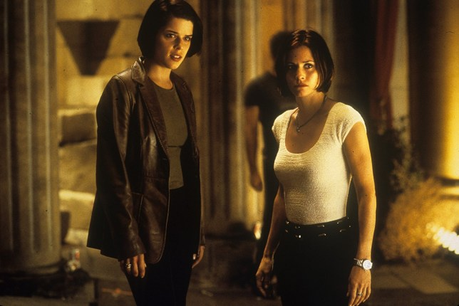 la moitié 8f53e cd1db 8 reasons why Scream 2 is the greatest horror sequel ever ...