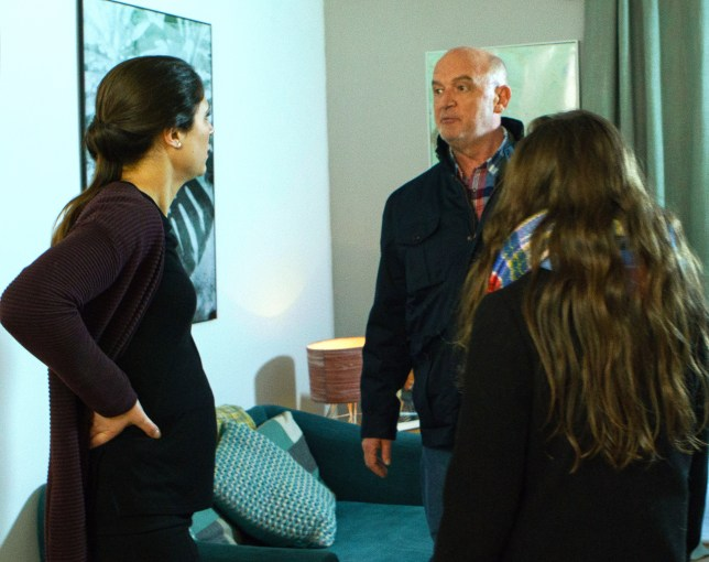 Phelan catches Faye and Nicola in Coronation Street