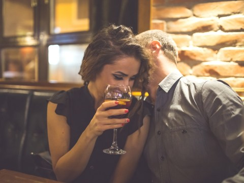 How a man smells can make women drink more alcohol