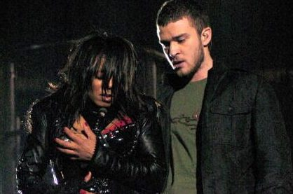 Janet jackson at the super bowl exposed her breast