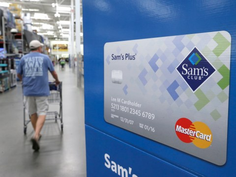 Was Walmart bonus announcement timed to cover up mass layoffs?