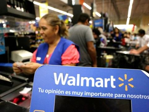 Walmart jacks up hourly wage to $11 and hands out $1,000 bonuses