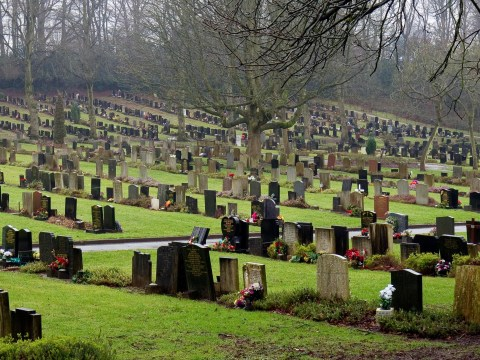 Council to exhume mum and uncle after burying them in wrong plots