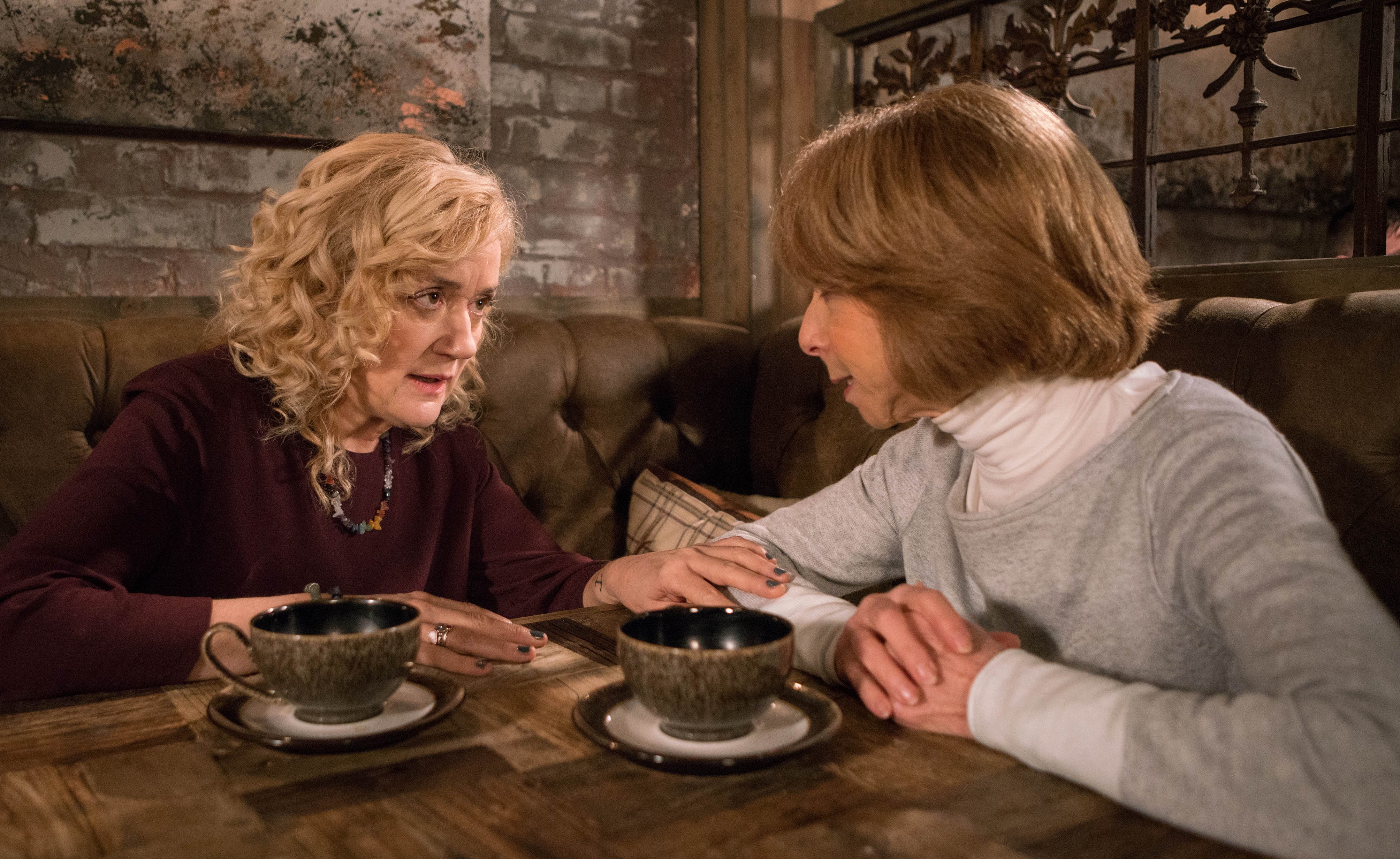 Gail gets a message from Richard in Coronation Street