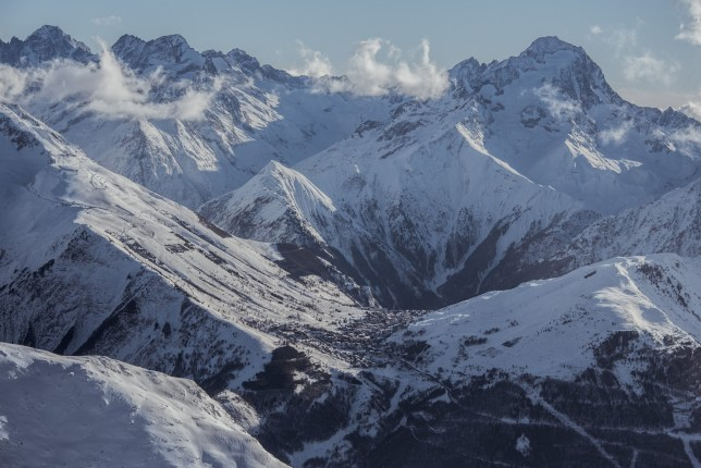 ALPE D'HUEZ, FRANCE - JANUARY 15: A general view of 'Les Deux Alpes' valley on January 15, 2016 in Alpe d'Huez, France. (Photo by Francois G. Durand/Getty Images)