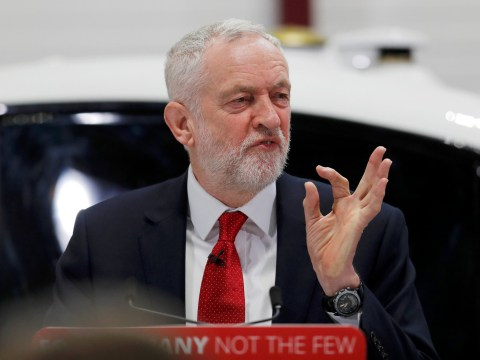 Jeremy Corbyn sets out Brexit plans for customs union and single market