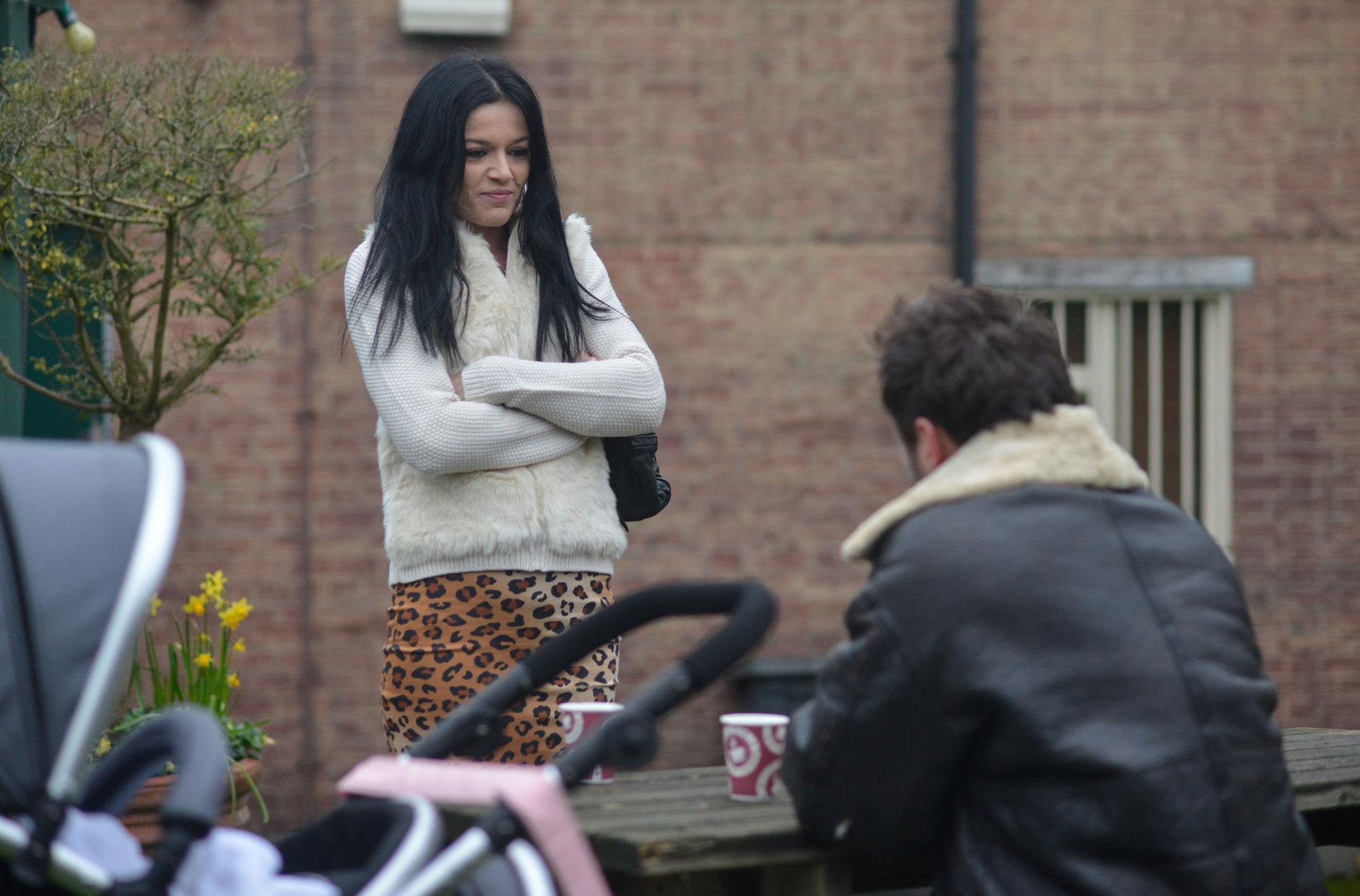 Hayley targets Martin in EastEnders