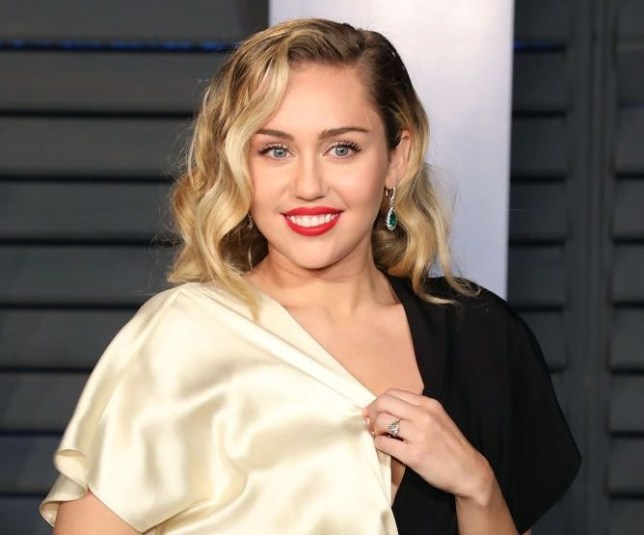 Miley Cyrus Retracts 2008 Apology Over Nude Pictures Of -4834