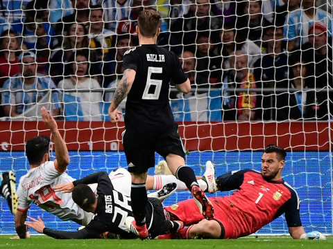 Sergio Romero forced off during Argentina's clash with Spain after colliding with Diego Costa
