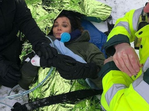 Sarah Parish rushed to hospital after she breaks her leg attempting to snowboard
