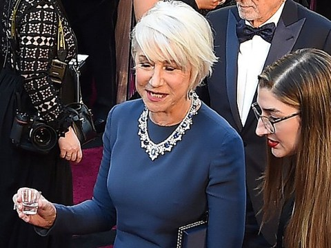 Helen Mirren did a shot on the Oscars 2018 red carpet and we love her more than ever