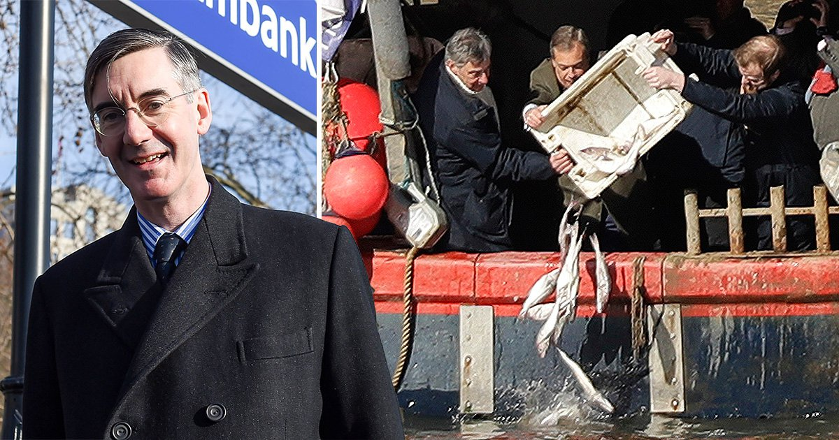 Brexiteers dump fish in the Thames in bizarre EU deal protest