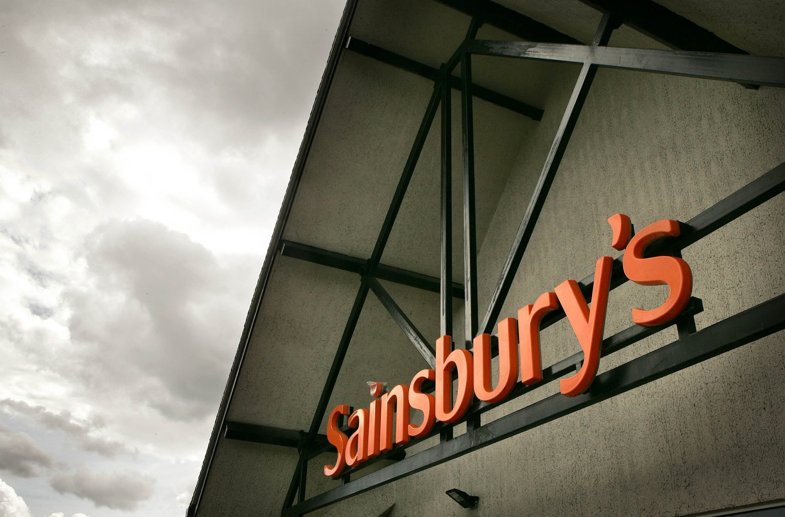 Sainsbury's store thinks mums would enjoy a 'Mother's Day Breakfast' of gin and Baileys